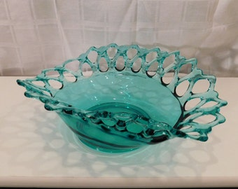 Amazing Green Tone Detailed Bowl with Border Glass in a Grid - Fruit Basket - Kitchen Decor - Wire Glass