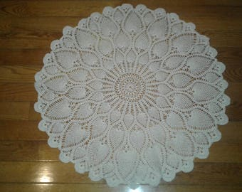 Large Ecru Pineapple Doily/ Table Topper...FREE SHIPPING!