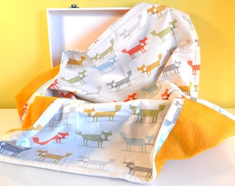 Blanket fleece and cotton mustard yellow and white - multicolored foxes patterns