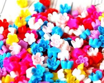 40 6mm Flower Cabochons