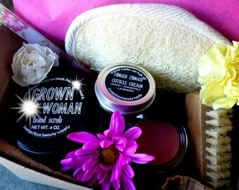 Gift for Gardener. All-natural. Gardener Gifts. Skin care. Garden Gift Basket. Unique Gardener gift. Hand Scrub. Hand Balm. Outdoor & Garden