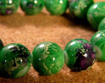 """10 pearls glass 12 mm-Green - PE174 """"reality"""""""