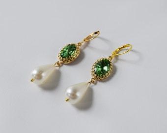 Peridot Green Crystal Earring, Peridot and Pearl Earring, Historical Earring, Elizabethan Jewelry, Bright Green Rhinestone 16th Century