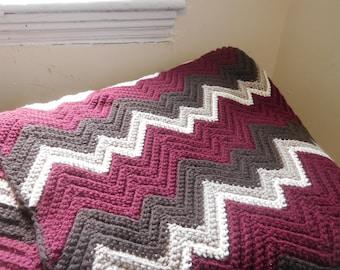 Zigzag Blanket: Cranberry