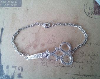 Scissor bracelet with Rhinestones