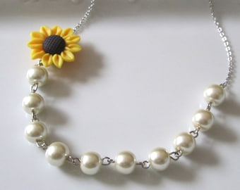 Sunflower necklace, sunflower jewelry, wedding jewelry for brides, wedding jewelry for bridesmaids, pearl necklace, ivory pearl necklace