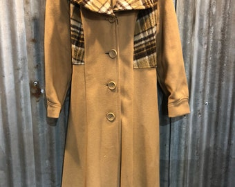 Amazing Vintage Trench Coat with Plaid Flannel Accents