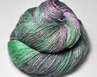 Hidden Easter Egg OOAK - Tussah Silk Lace Yarn - Hand Dyed Yarn - handgefärbte Wolle - DyeForYarn