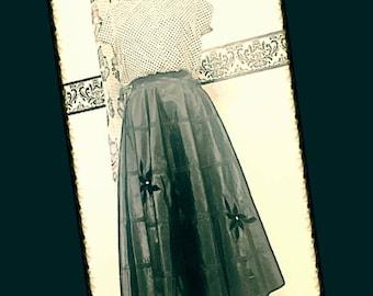 1950's Black Taffeta and Velvet Swing Skirt, Size 00 XXS, Vintage 1950's Pleated Circle Skirt, Black Vintage Circle Skirt, 50's Swing Skirt