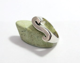 Initial Ring, Letter S Ring, Alphabet Letter Initial Ring, Personalized Ring, Custom Silver Initial Ring, Personalized Initial Jewelry.