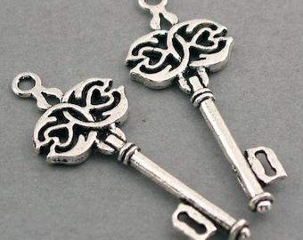 6 Key Charms, Large Skeleton Key pendant beads, Antique Silver 17X45mm CM0251S