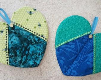 Heart Shaped Pot Holders - Set of 2