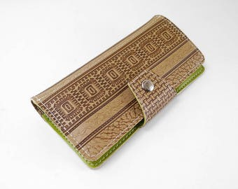 Aztec and Greenery Vintage Womens Zip Wallet Made of 40 Year Old Vinyl
