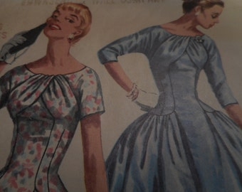 Vintage 1950's Simplicity 1537 Dress Sewing Pattern, Size 12 Bust 30