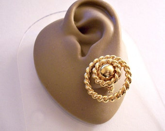 Monet Lasso Rope Loop Rings Clip On Earrings Gold Tone Vintage Twisted Open Layeres Round Smooth Domed Center Bead Comfort Paddles