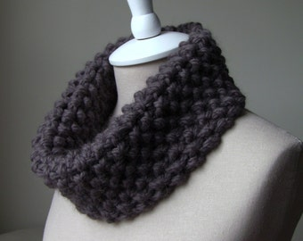 Alpaca Chunky Knit Cowl / Baby Alpaca Knitted Snood / Hand Knit Neckwarmer Mustang Brown