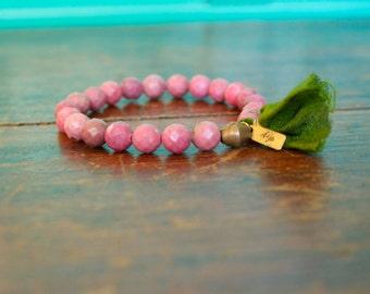 Rhodonite Japa Mala Tassel Bracelet 21 Bead Buddhist Rosary Wrist Mala Womens Prayer Beads Pink and Green Yoga Inspired Jewelry Spiritual