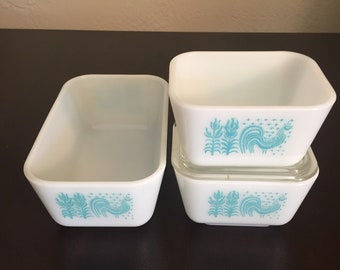 Set of 3 Pyrex Butterprint Refrigerator Dish (2) 501 (one lid) and (1) 502