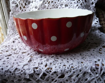 Salad bowl huge fruit bowl Digoin Sarreguemines earthenware red white polka dot confetti 1920 France retro kitchen  scalopped rim  collector