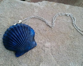 Blue Metallic Painted Sea Shell Necklace Pendants - Beach Mania Jewelry - 18kg plated bail - Gifts Ideas for Vacation Reveal