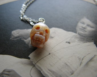 Human Skull Pearl necklace - Macabre - Pearl necklace - Sterling silver