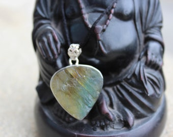 "labradorite necklace set in 925 Sterling Silver ""shield Terry"" energizing."