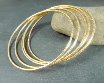 Set of 5 Skinny 14K Gold Filled Bangle Bracelet, 1.63mm Thick Yellow Gold Filled Hammered Bangles, 14/20 Goldfilled, Simple Delicate Jewelry