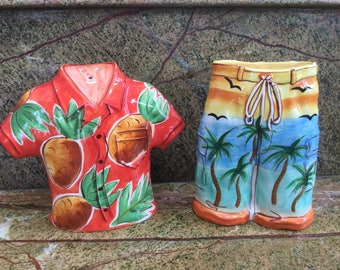 Vintage collectors Aloha wear salt and pepper shakers