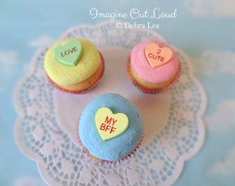 Fake Cupcake  SET Conversation Valentine Hearts BE MINE Kitchen Decoration Food Prop