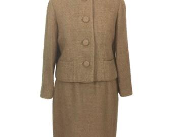 vintage 1960's wool boucle suit / jacket skirt / tan mocha / Jackie O Mad Men style / skirt suit / women's vintage suit / size large