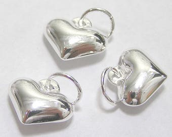 Pack of 12, 925 Sterling Silver 13mm x 11mm puffed heart charm / pendant [our ref: 10-0079]