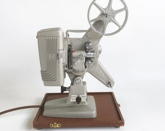 "Working 1950s Keystone 105 - 8mm Movie Projector with Carrying Case ""Art Deco Style & Crinkled Silver Finish"""