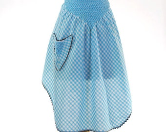 Vintage 1960s Womans Apron / Turquoise Gingham Half Apron with V-Pocket & Smock Stitching / Country Apron