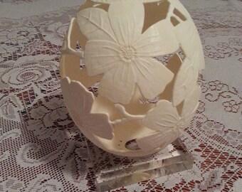 Carved Ostrich Egg: Dogwood flowers