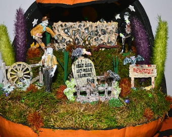 Halloween Diorama, Pumpkin Diorama , Halloween Miniature, Halloween Table Decor, Cowboy, Ready to Ship!