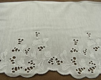 EMBROIDERY - cotton jersey - 14 cm / 7 cm - white