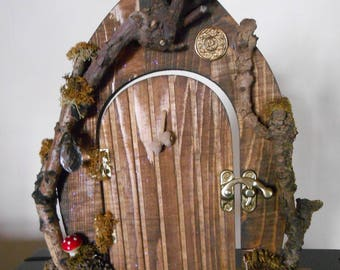 Woodland Fairy door / driftwood / acorns