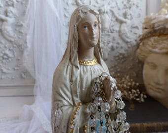 Antique french Madonna statue. Chalkware Virgin Mary statue. French Nordic. Jeanne d'Arc living. Our Lady of Lourdes Madonna statuette