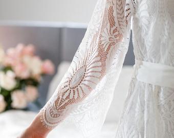 Lace Bridal Robe // Bridesmaid Robes // Robe // Bridal Robe // Bride Robe // Bridal Party Robes // Bridesmaid Gifts // Mila Robe