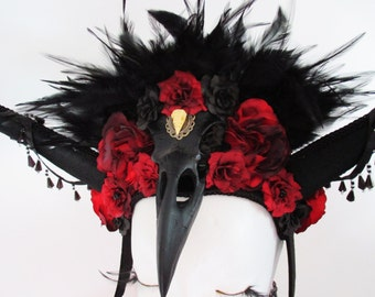 Gothic Raven Queen Black Red Feather Headdress Crown Horns Headpiece Halloween Mythical