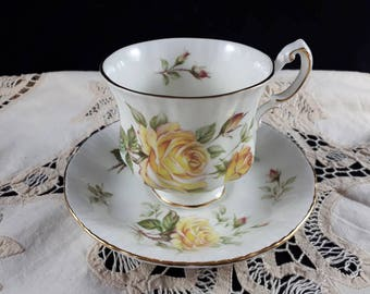 Paragon Peace Rose Teacup and Saucer ~ Vintage Tea Cup with Yellow Roses