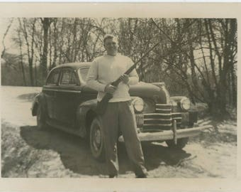 Vintage Snapshot Photo: Rifle, 1940s (81634)