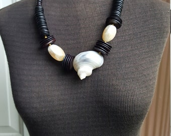Beautiful Mother of Pearl Nautilus Shell Necklace