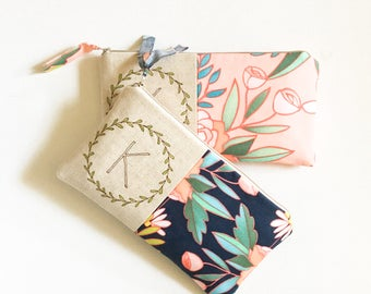 Floral Wedding Monogram Clutch, Bridesmaid Clutch, Personalized Gift from Bride, Personalized Bridemaid Gift Ideas, YOUR FABRIC CHOICE