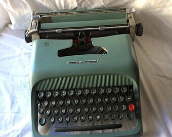 Olivetti Studio 44 Manual Typewriter, Needs Repair