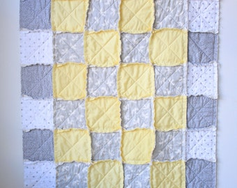 Gender neutral rag quilt - Gray rag quilt - Baby rag quilt - Crib rag quilt - Gray yellow quilt