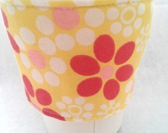 Coffee Cozy, Coffee sleeve, Coffee Cup Cozy, Pink Daisy's Coffee Cozy, Floral Coffee Cozies, Fabric Coffee Cozy, White Daisy's Coffee Cozy,