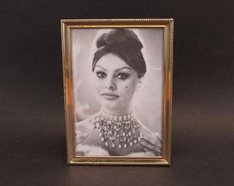 Vintage Goldtone Ornate 5x7 Photo Frame with Sophia Loren (E10588)