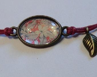 Fine Oilskin cotton bracelet Burgundy, bronze details and cabochon.