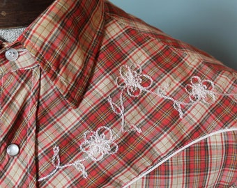 Vintage 70's Hand Embroidered Western Shirt | Size Small | Pearl Snaps | Made in USA